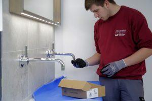Ein Faktor für die Bad Kosten: Sorgfältige Facharbeit ist ihren Preis wert.